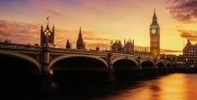 View of westminister bridge and Big Ben at dusk